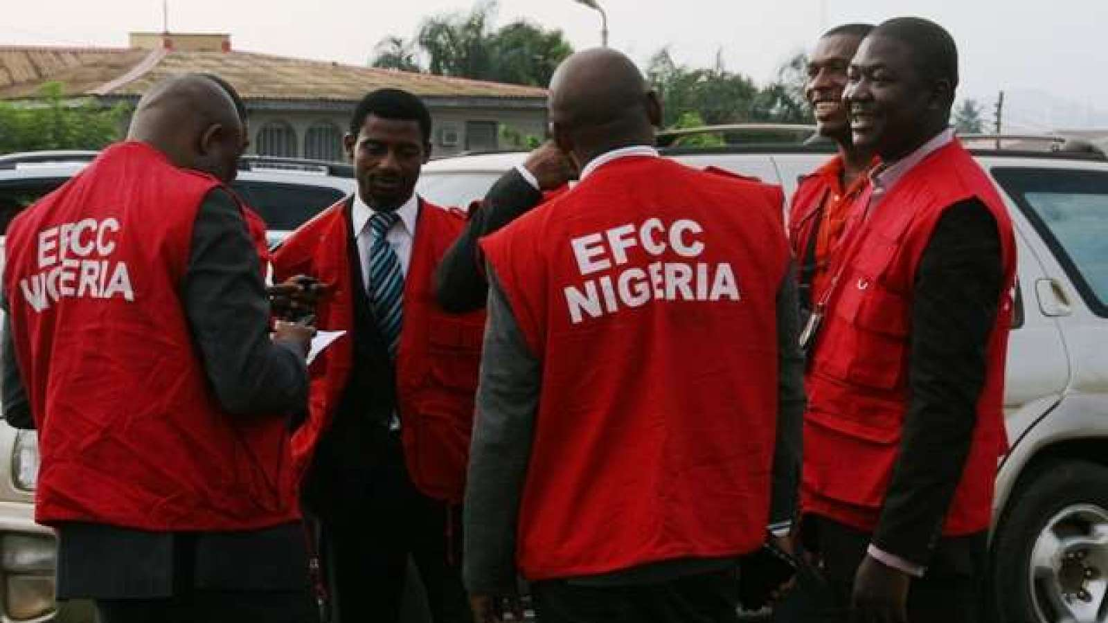 EFCC arrests six suspected internet fraudsters