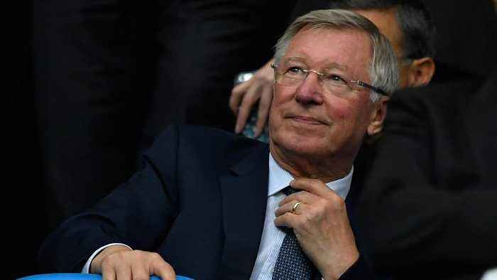 Alex Ferguson returns to Man Utd training ground