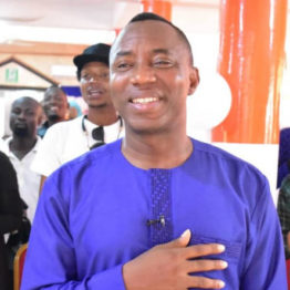 #RevolutionNow Protests: Falana appears in court, seeks date for hearing in Sowore's application