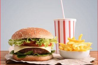 Eating processed foods like burgers, pizzas, others increases risk of fatal diseases