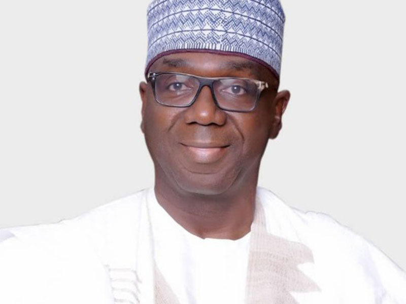 Kwara gov, AbdulRazaq locks out workers for coming late to work
