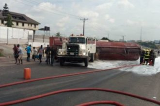 Fuel tanker falls, splits contents on Lagos Airport Road