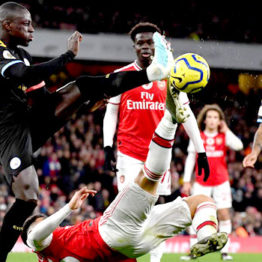 Manchester City bash woeful Arsenal at Emirate