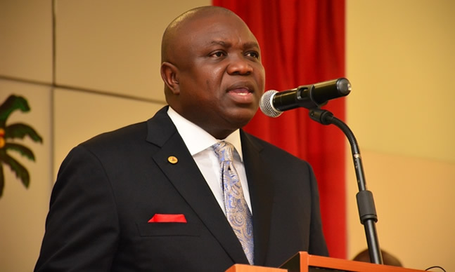 Photo of Ambode hails Canadian govt for donating $3.2m medical lab to Lagos