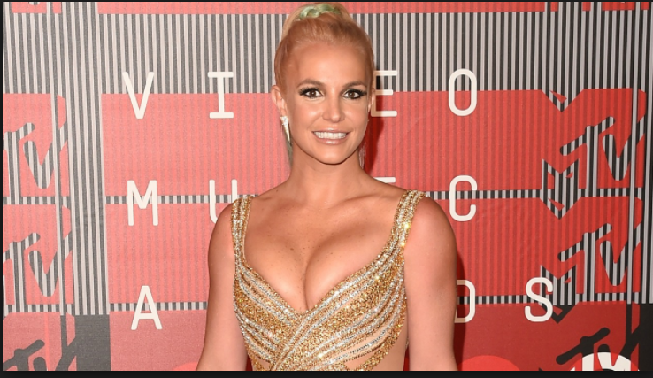 Photo of Britney Spears steps out with Iranian boyfriend in Hawaii (photos)