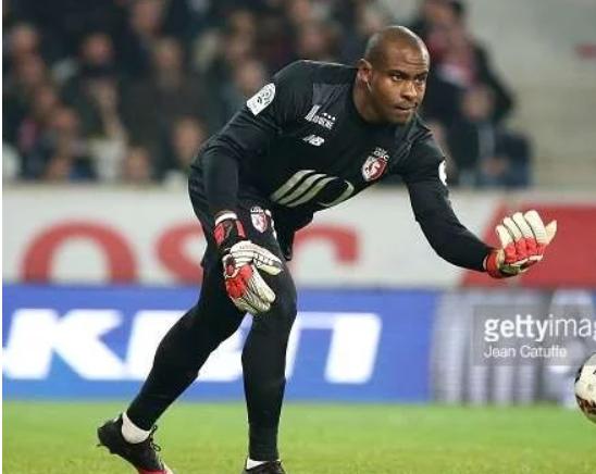 Photo of Why Kalu should buy Enyimba not Arsenal – Enyeama