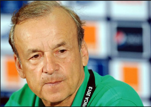 Photo of Nigerians divided over Rohr's contract extension
