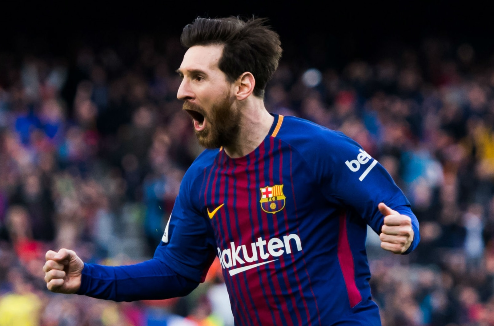 BREAKING: Messi trains with Barcelona after transfer row