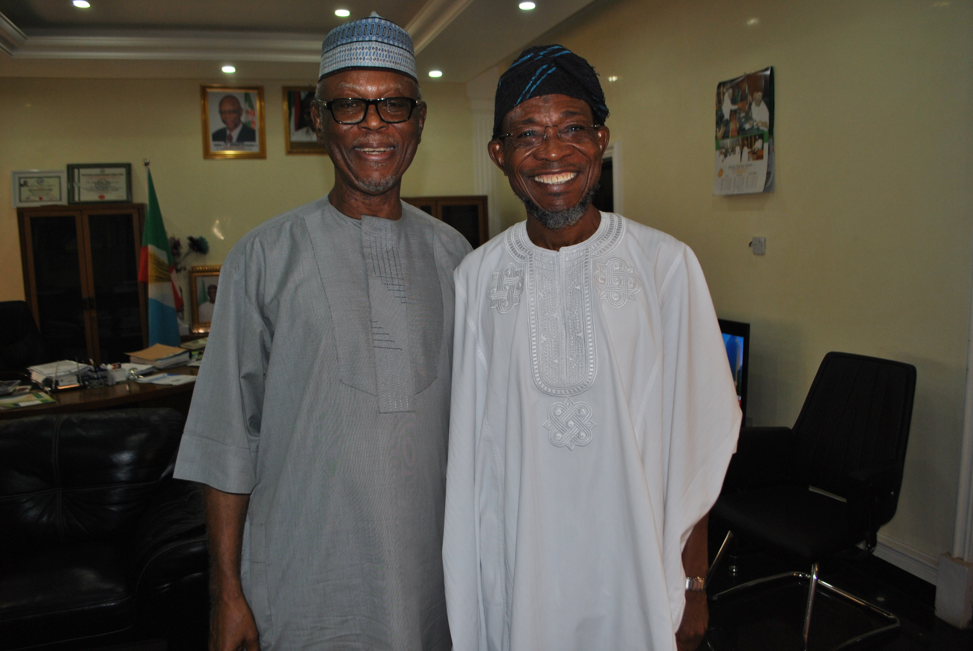 Photo of Osun 2018: Concerned APC stakeholders draw battle line, petition Oyegun, over alleged 'doctoring' of delegates lists, imposition by Aregbesola