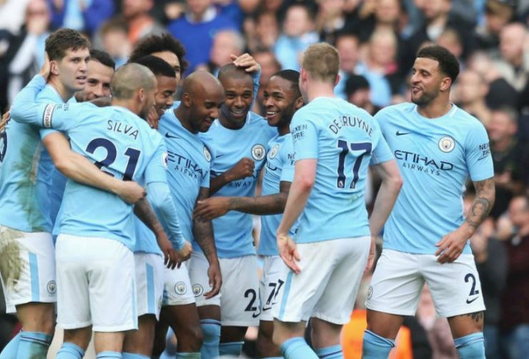 Photo of Aguero, Walker seal late victory for Manchester City