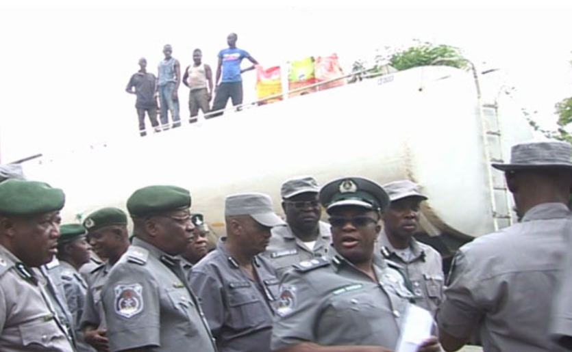Photo of Customs intercepts petrol tanker loaded with 1000 bags of rice
