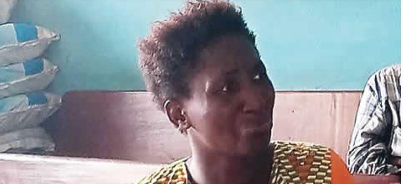 Pandemonium as hairdresser stabs neighbour to death for calling her 'shaku-shaku' woman