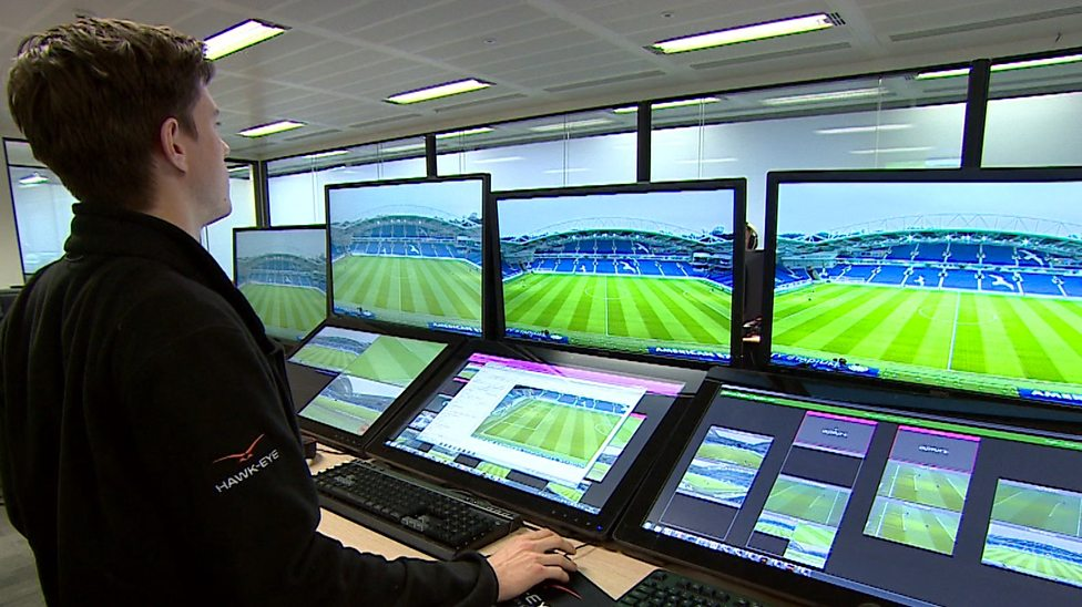 Photo of English referees can't use VAR – Sarri