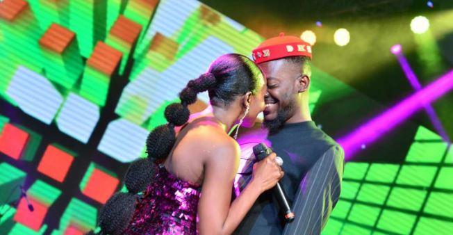 Photo of Simi prays for Adekunle Gold on birthday