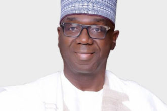 Kwara governor invites EFCC to probe council funds