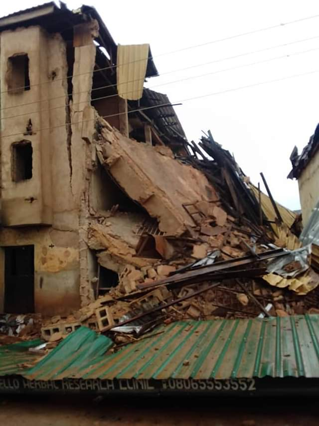 Photo of 25 rescued, 50 trapped in collapsed five-storey building