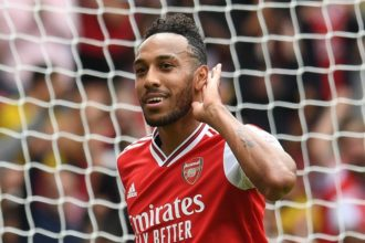 Aubameyang wins PL player of the month award