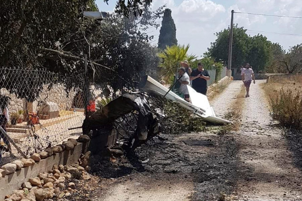 Photo of Two children, five adults die as helicopter, plane collide