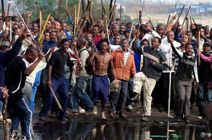 Photo of Xenophobia: 700 Nigerians register to leave South Africa, 320 to arrive Wednesday