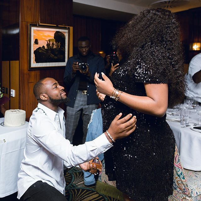 Photo of Davido in delivery room, as Chioma falls into labour