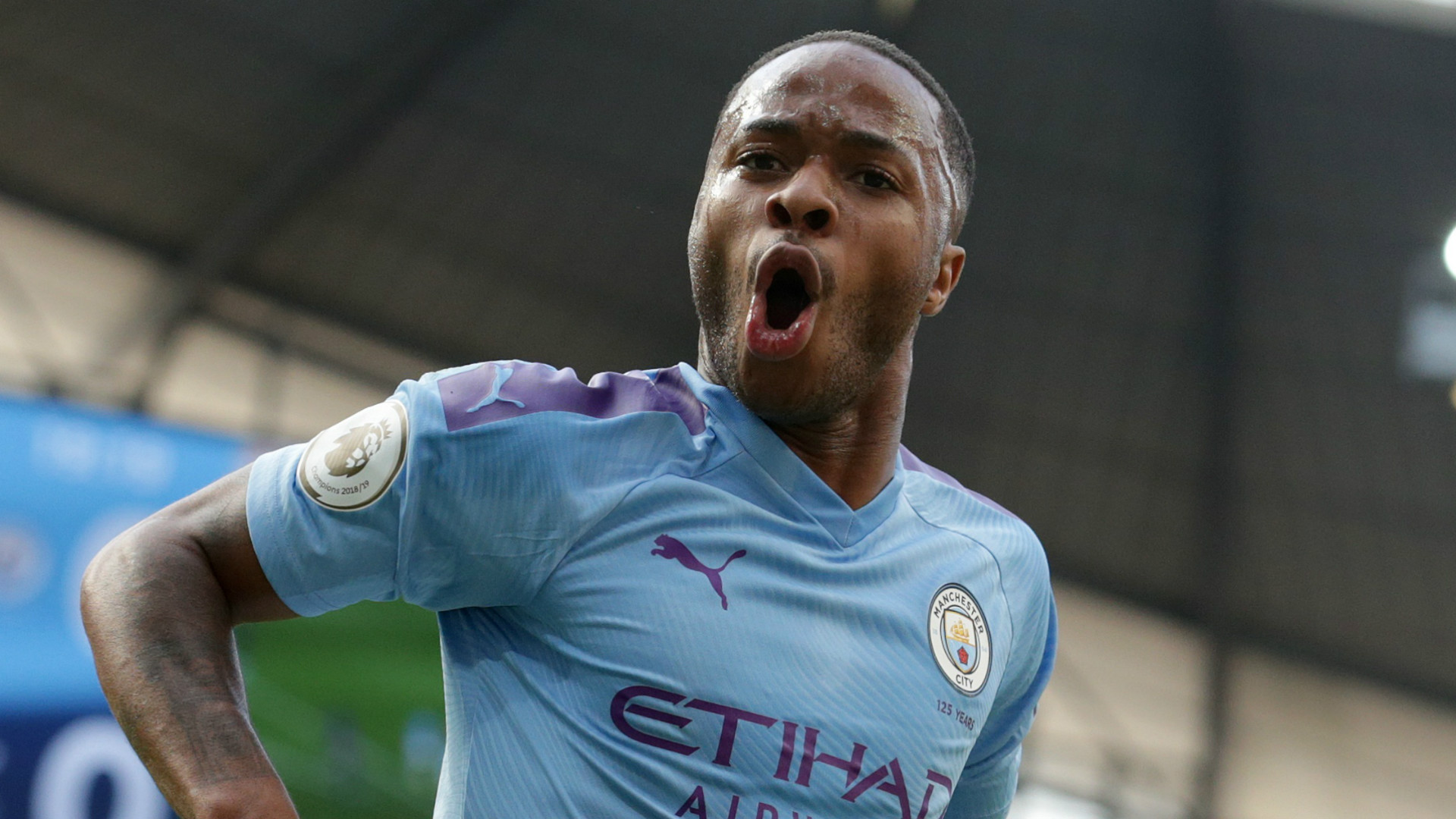 Photo of Queen Elizabeth honours Man City's Sterling for racial equality fight