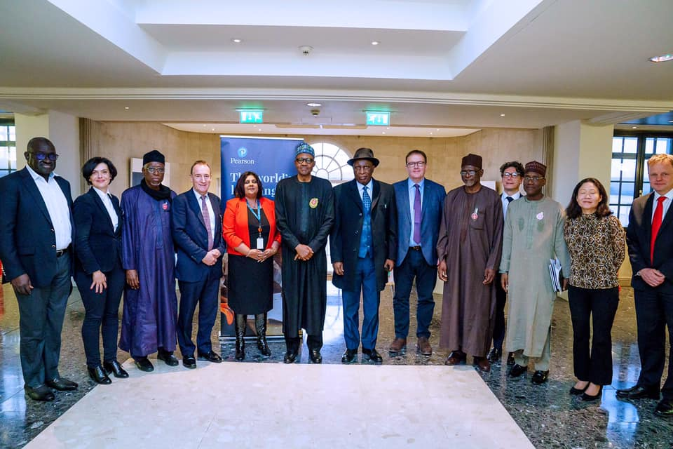 Photo of Buhari meets Pearson Educational Group mgt. in London