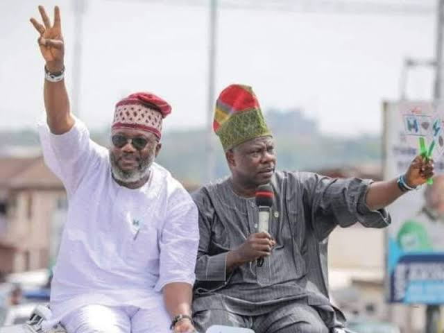Photo of JUST IN: Amosun's godson, Akinlade dumps APM, returns to APC