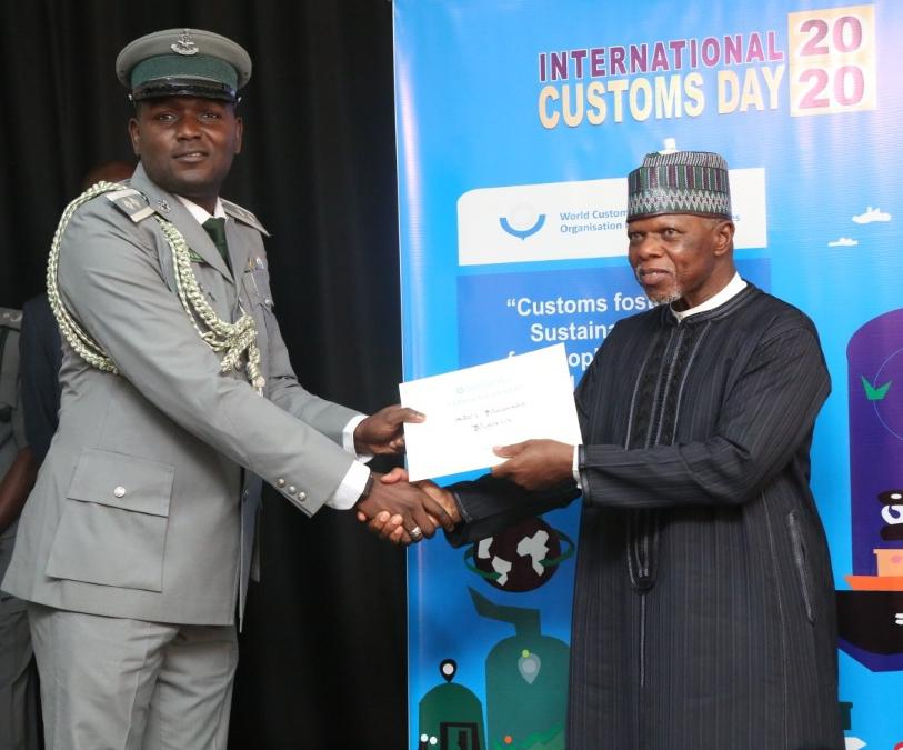 Photo of Photos: Ogun Command Custom's spokesman wins World Customs Organisation Merit Award