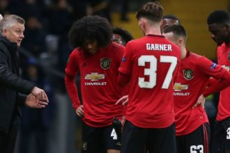 Manchester United move into Europa League last eight