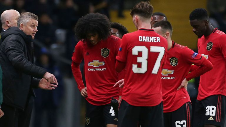 Photo of Man Utd Title Hopes Hit By Sheffield United Defeat