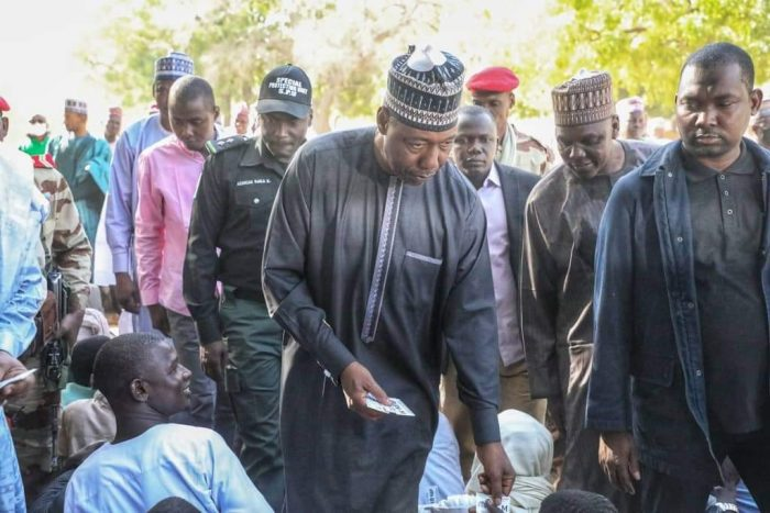 Photo of Photos: 23 dead as Gov Zulum distributes relieve items to refugees in Niger