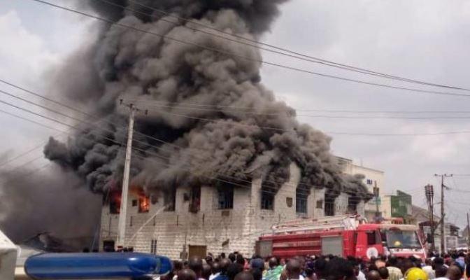 Photo of Photo: Fire razes popular Dugbe Market in Ibadan
