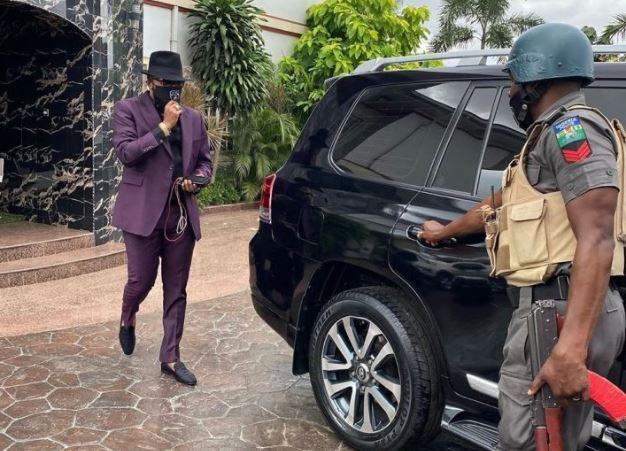 Photo of IGP orders probe of E-Money's wealth, withdraws police escorts