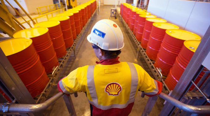 Photo of Shell cuts dividend as oil demand collapses