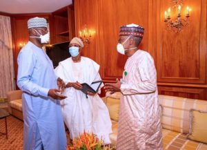 FG raises alarm over increasing COVID-19 numbers, to meet governors