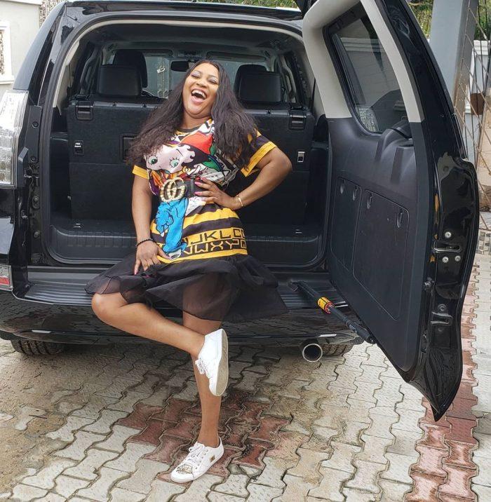 Photo of Nollywood actress Uche Elendu acquires new car