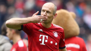 Arjen Robben comes out of retirement; joins boyhood club