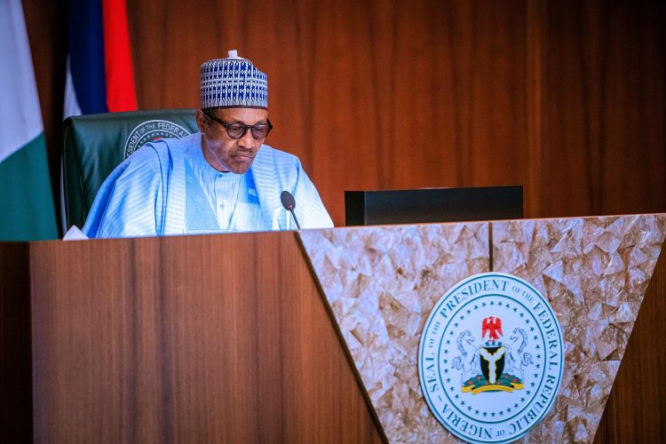 Photo of Buhari to Nigerian elites: Criticize us fairly