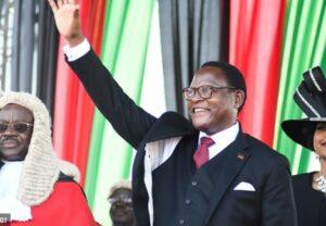 Malawi swears in new president