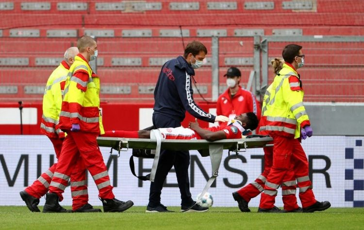 Photo of Nigerian striker Awoniyi regains consciousness after head injury