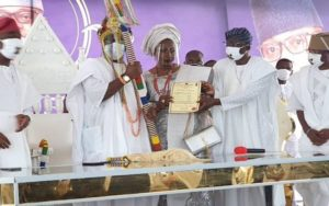 Sanwo-Olu presents staff of office to 15th Oniru