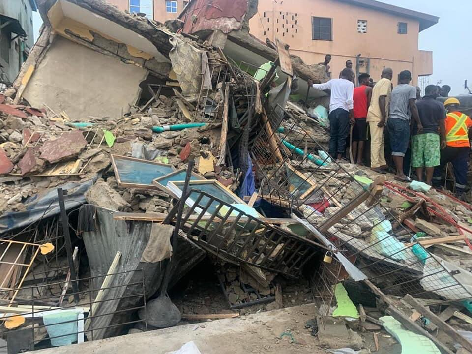 Photo of Three-storey building collapses in Lagos, one killed, six rescued