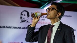 Madagascar's health minister snubs president, seeks international aid over worsening COVID-19 cases despite herbal drink