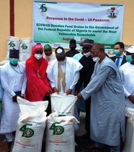 Photo of ECOWAS donates 4,000 tonnes of food items to Nigeria
