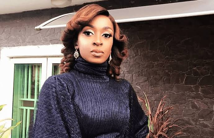 Photo of Nollywood actress Kate Henshaw blasts online beggars