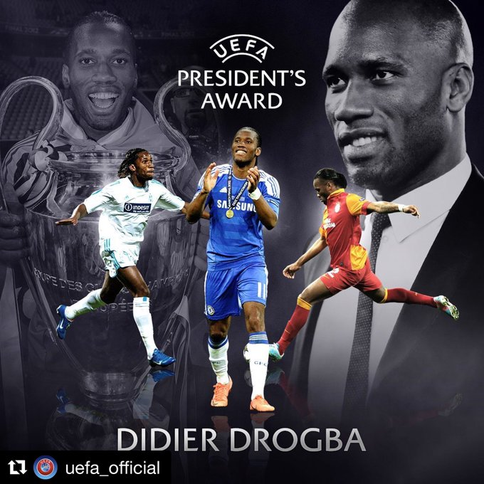 Photo of Drogba receives award at UEFA Champions League group stage draw