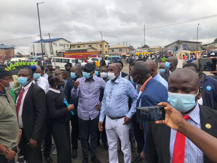 Photo of Photo: Sanwo-Olu, Amaechi storm scene of train, vehicles collision in Lagos