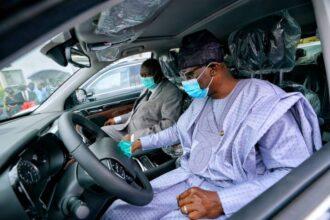 Photo: Sanwo-Olu splashes 51 SUVs, eight houses on judges