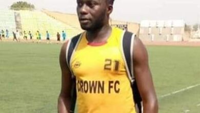 Photo of Crown FC player Usman Yusuf slumps, dies during friendly match