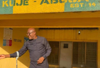 Photo of Photos: Ex-PDP spokesman Olisa Metuh released from Kuje Prison